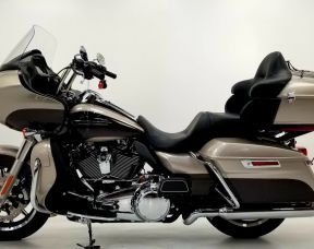 2018 Road Glide Ultra with detach tour pack kit