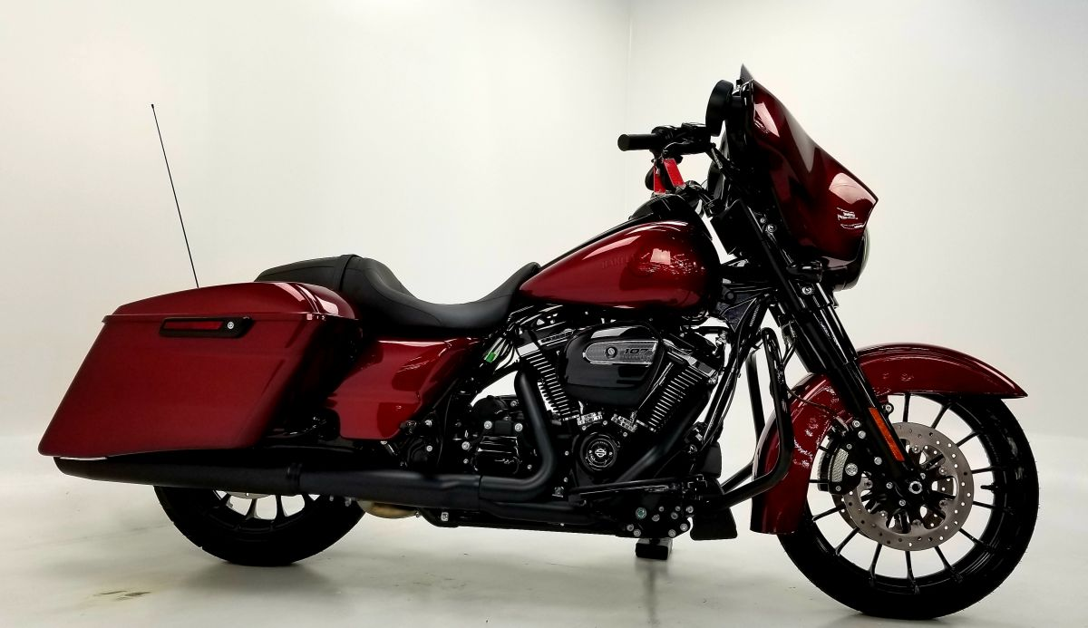 2018 Street Glide Special hot rod candy red flake