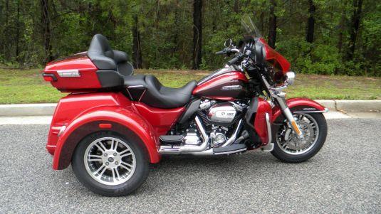 2018 Harley-Davidson FLHTCUTG Tri Glide Ultra