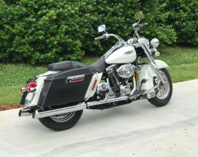 2002 - ROAD KING CLASSIC - VERY VERY CLEAN!