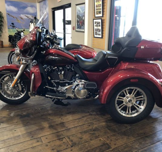 HARLEY FLHTCUTG (RED/RED)