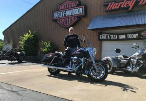 Rich and his 18 Road King in Twisted Cherry!