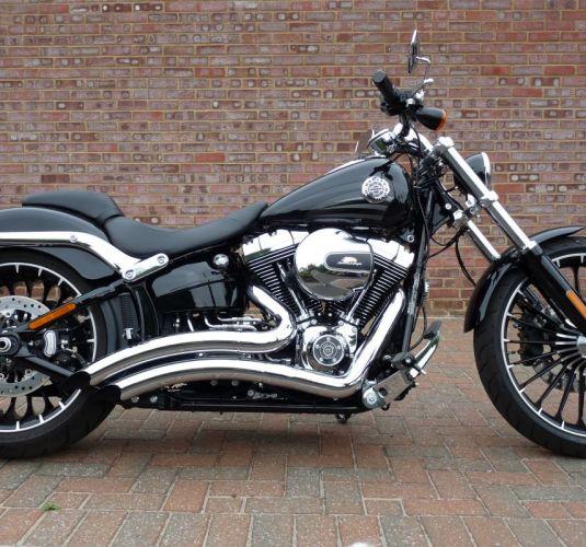 Preowned 2017 Harley-Davidson Breakout in Vivid Black
