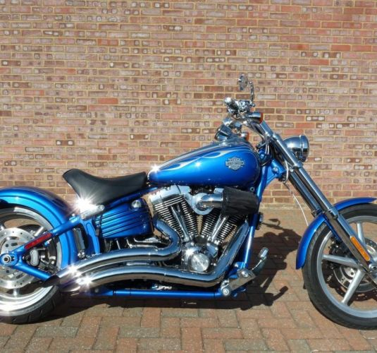 Harley-Davidson FXCWC Softail Rocker C in Pacific Blue Deluxe