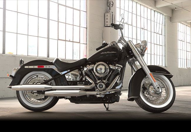 2018 Harley-Davidson<sup>®</sup> FLDE - Softail<sup>®</sup> Deluxe