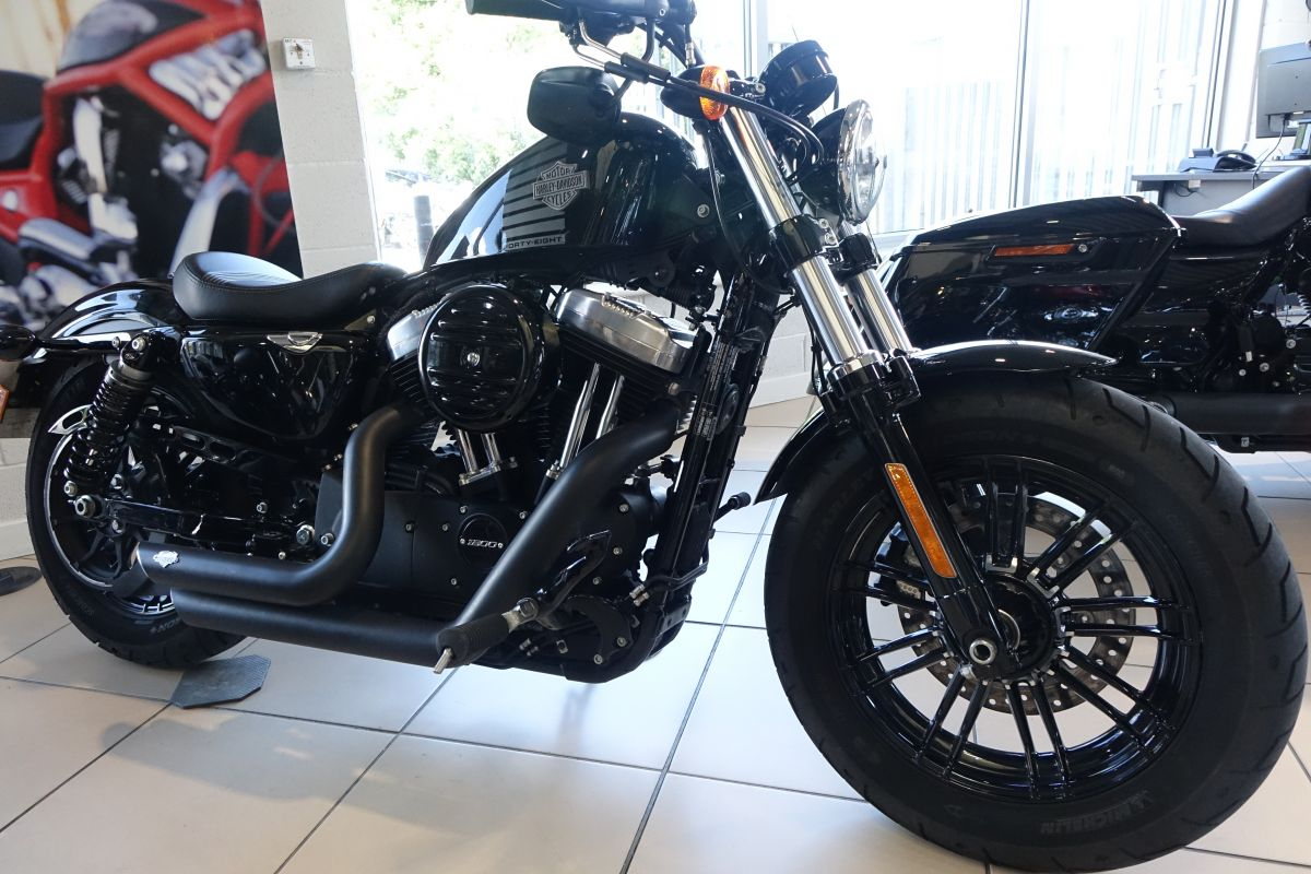 2016 XL1200X Forty-Eight in Vivid Black