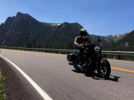 Henri Boulanger, a Millennial who took a journey in an H-D Sport Glide