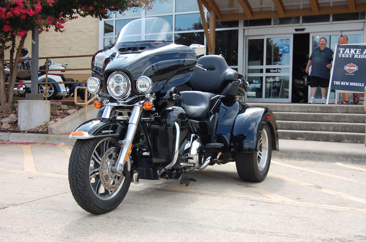2016 Harley-Davidson FLHTCUTG Tri Glide Ultra Classic