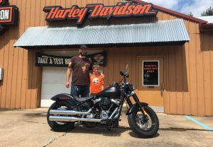 Derrick and his new 18 FLSL Softail Slim!