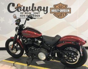 2018 Harley-Davidson<sup>®</sup> FXBB — Softail<sup>®</sup> Street Bob<sup>®</sup>