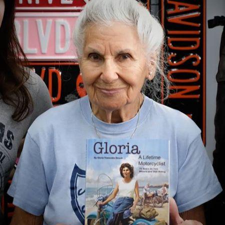 Gloria Tramontin Struck Book Signing