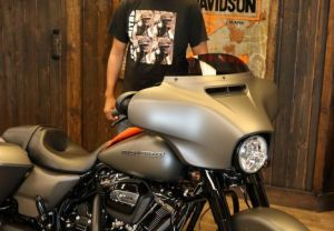 Mukhtars new Street Glide Special!
