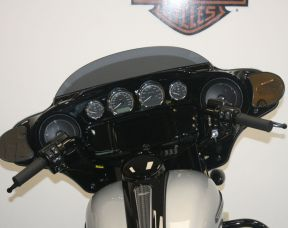 FLHXS 2019 Street Glide<sup>®</sup> Special