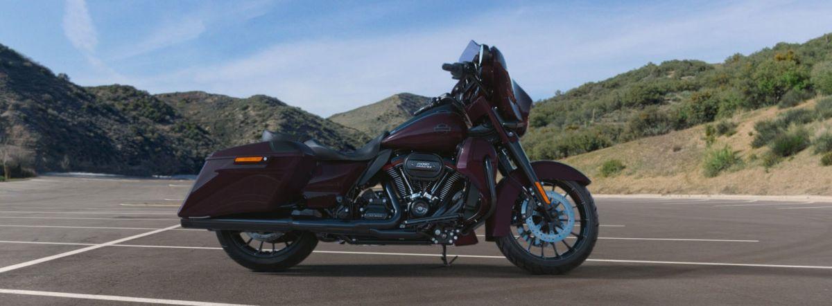 2019 Harley-Davidson FLHXSE CVO<sup>™</sup> Street Glide<sup>®</sup>