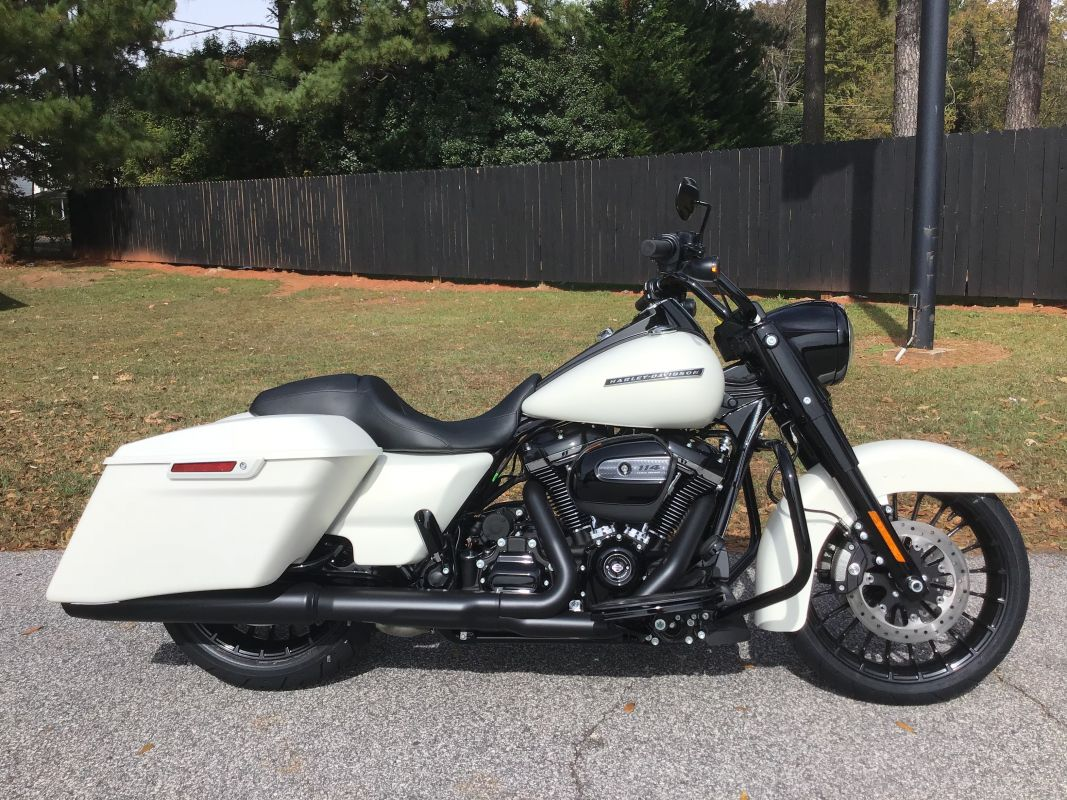 FLHRXS 2019 Road King<sup>®</sup> Special