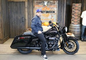 Amados new 2019 Road King Special!