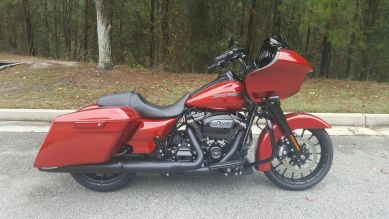 FLTRXS 2019 Road Glide<sup>®</sup> Special