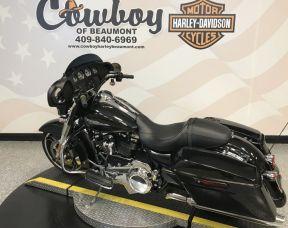 2018 Harley-Davidson<sup>®</sup> FLHX — Street Glide<sup>®</sup>