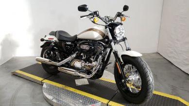 XL1200C 2018 1200 Custom