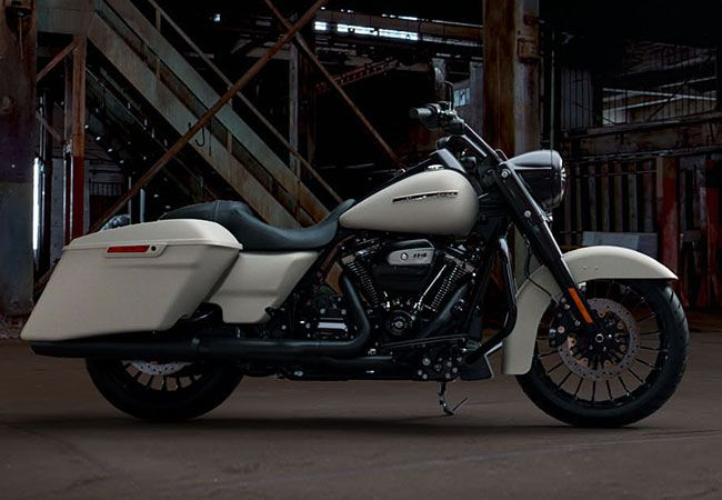 2019 Harley-Davidson<sup>®</sup> FLHRXS — Road King<sup>®</sup> Special