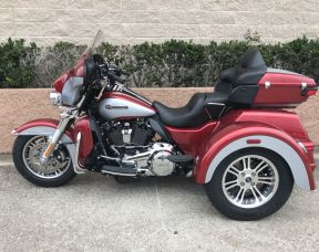 2019 Harley-Davidson<sup>®</sup> FLHTCUTG — Tri Glide<sup>®</sup> Ultra