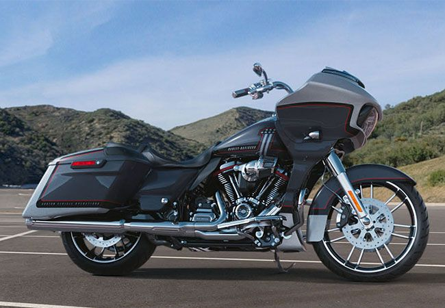 2019 Harley-Davidson FLTRXSE CVO<sup>™</sup> Road Glide<sup>®</sup>