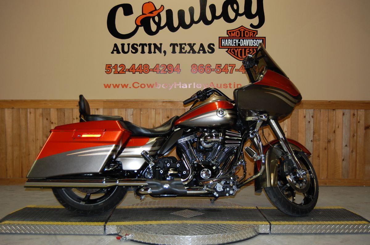 2013 Harley-Davidson FLTRXSE2 C.V.O.<sup>™</sup> Road Glide<sup>®</sup> Custom
