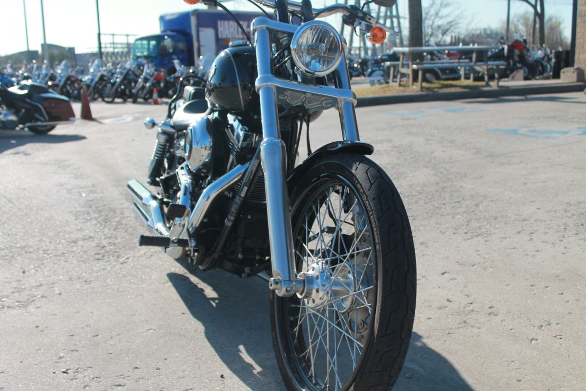 2015 HARLEY-DAVIDSON® Wide Glide<sup>®</sup> FXDWG