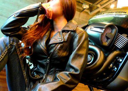 最新モデルとハーレー女子の撮影会開催!