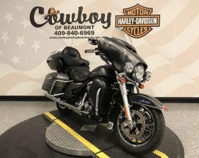 2017 Harley-Davidson<sup>®</sup> FLHTK — Ultra Limited