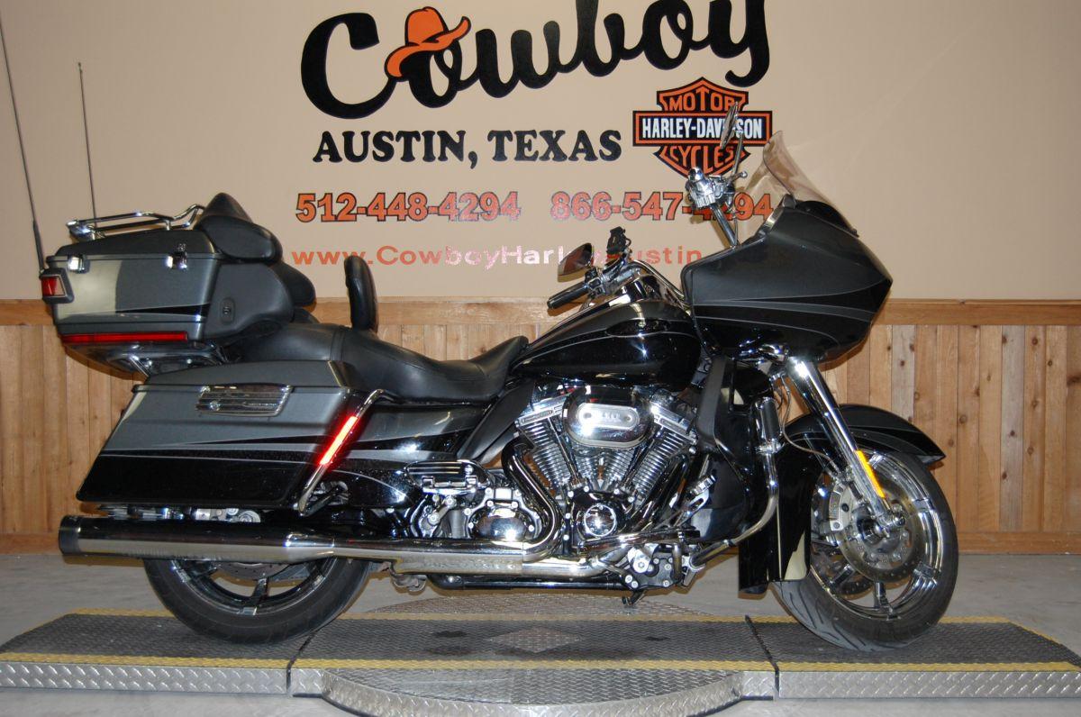 2011 Harley-Davidson FLTRUSE C.V.O.<sup>™</sup> Road Glide<sup>®</sup> Ultra