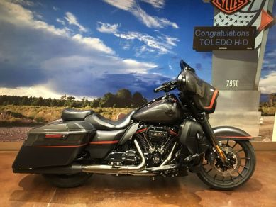 2018 HD SCREAMIN' EAGLE STREET GLIDE CVO