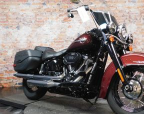 2018 HD FLHCS - Softail Heritage Classic 114