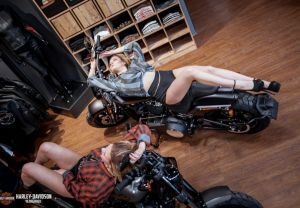 Show Girls on Harley