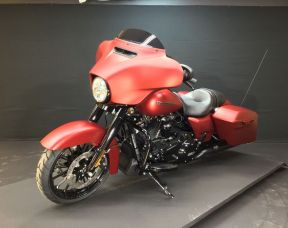 2019 HARLEY TOURING FLHXS - Touring Street Glide<sup>®</sup> Special