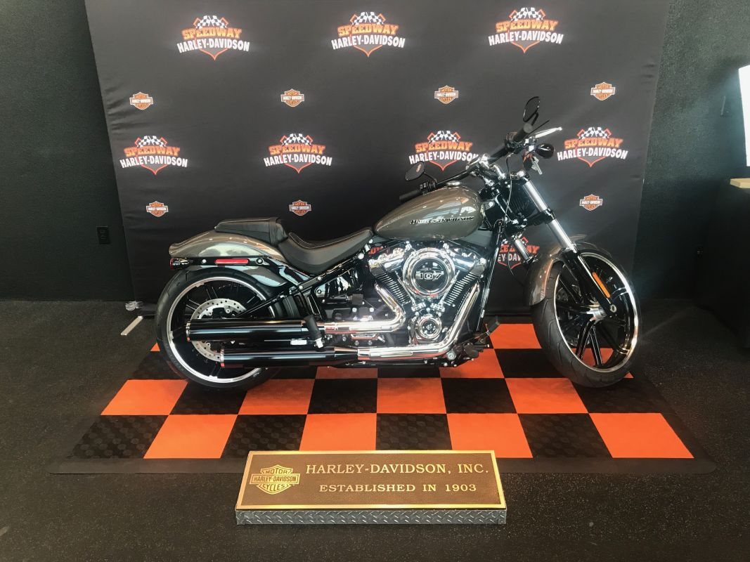 2019 HD FXBR - Softail Breakout<sup>®</sup>