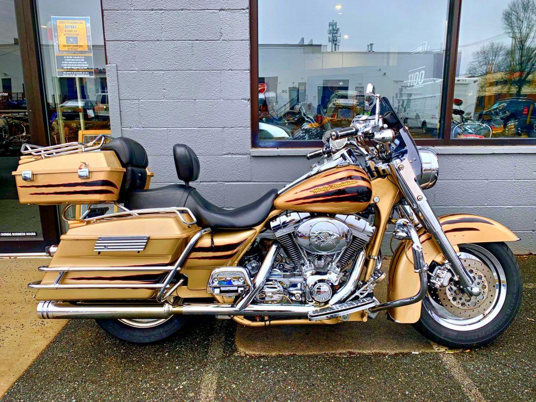 2003 Harley-Davidson® FLHRSE CVO ROAD KING