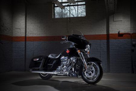 Това е новият Harley-Davidson Electra Glide Standard