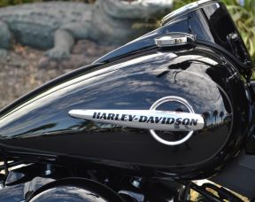 Harley-Davidson® FLHC - Softail® Heritage Classic