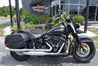 Harley-Davidson® FLHCS - Softail® Heritage Classic 114