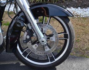 Harley-Davidson® FLTRX - Road Glide®