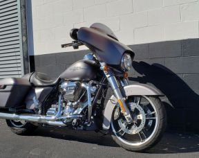 2017 HARLEY-DAVIDSON TOURING STREET GLIDE SPECIAL FLHXS