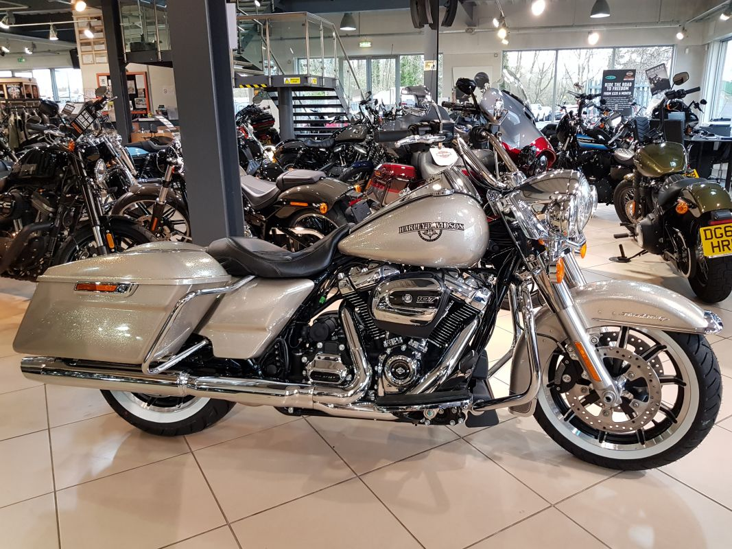 2018 Harley Davidson Road King Hard Candy Custom