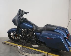 2018 HARLEY FLHXSANX - Touring Street Glide<sup>®</sup> Special Anniversary
