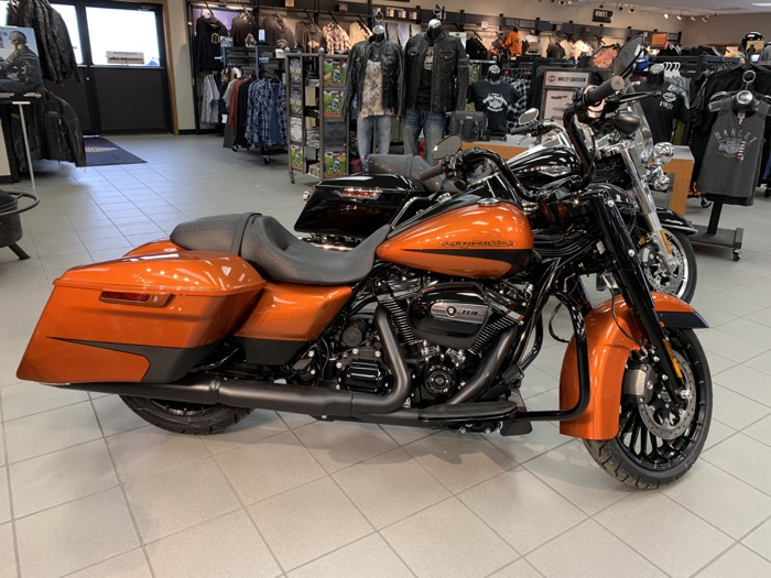 2019 HD FLHRXS - Touring Road King<sup>®</sup> Special