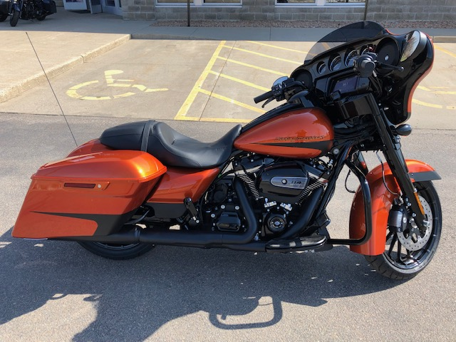 2019 Street Glide Special Custom paint Scorched Orange / Black Denim