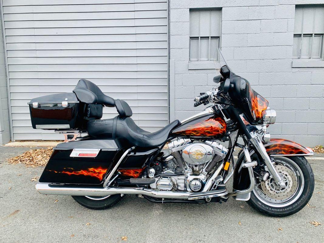 2005 Harley-Davidson® FLHT ELECTRA GLIDE