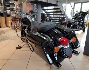 2018 Harley Davidson FLHRC Road King 1750 Milwaukee Eight