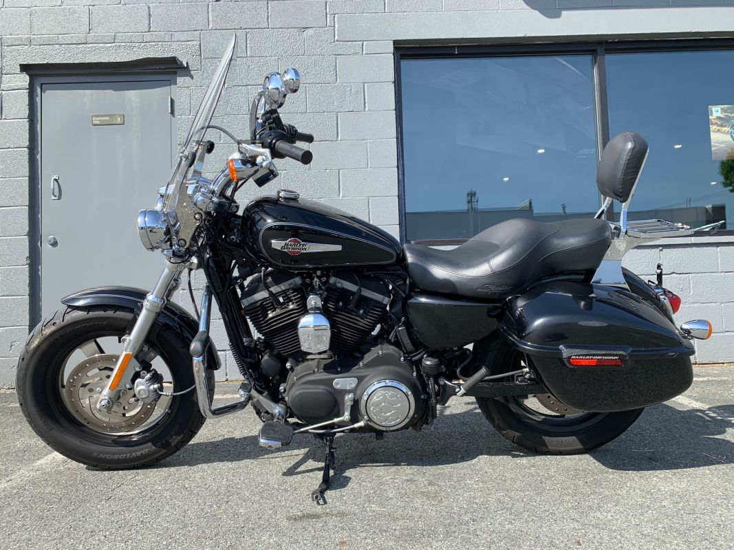 2013 Harley-Davidson® SPORTSTER XL1200 CP