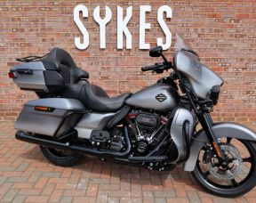 NEW 2019 Touring CVO Ultra Limited FLHTKSE 117 Cubic Inch Screamin Eagle Engine